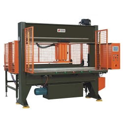 Automatic twin-roller feeding movable head type cutting machine
